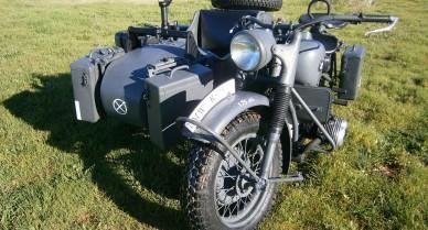 BMW R-75 con sidecar 1943 gris oscuro